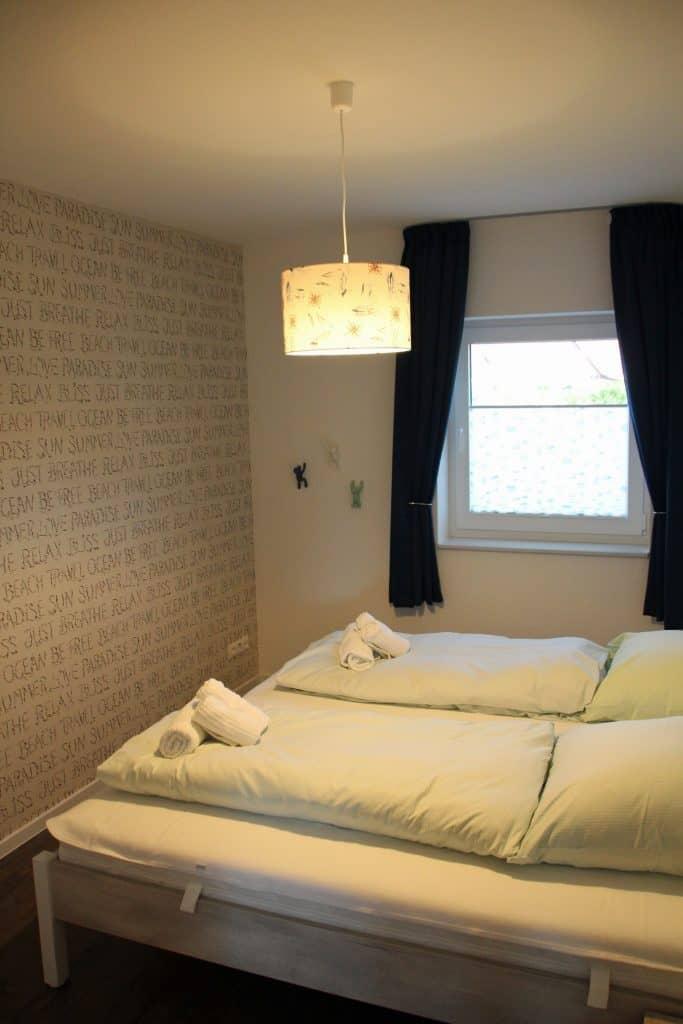 Einzelbetten als Doppelbett im zweiten Schlafraum